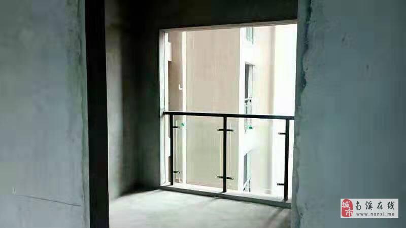 鳳凰華城3室2廳2衛67.8萬元