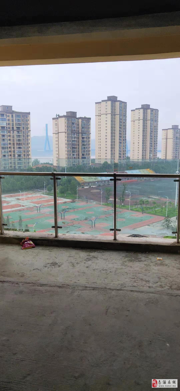 康安江城一期8米觀景大陽臺視野開闊一攬長江美景