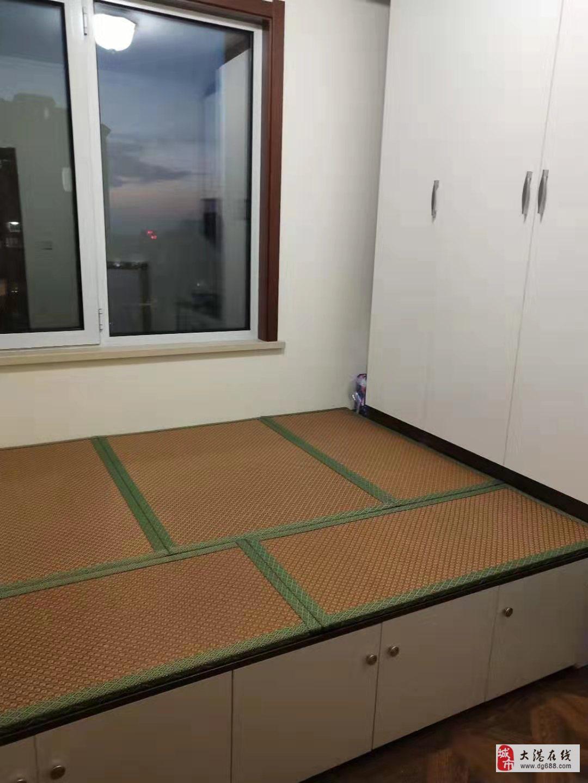 庆褔北3室2厅1卫135万元