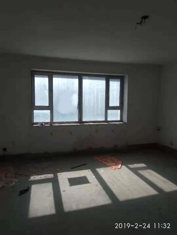 朝陽鎮新朝陽小區3室2廳2衛58萬元