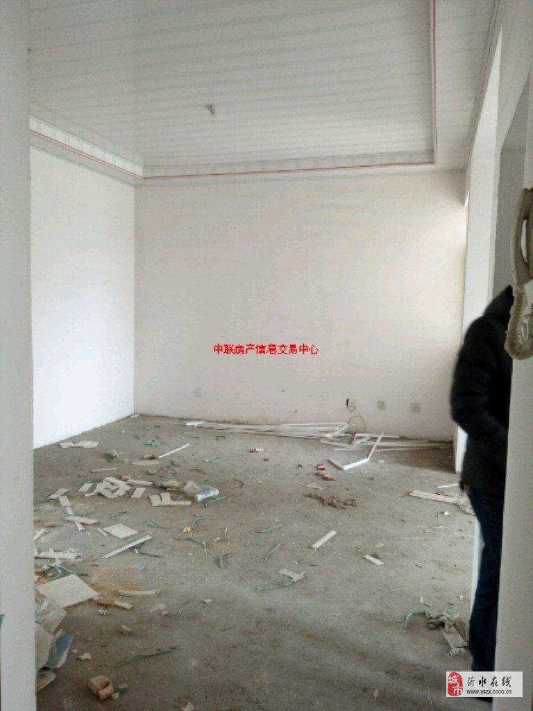 滨河家园3室2厅1卫16万元20平储藏室
