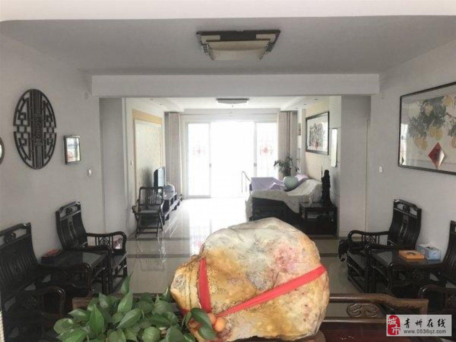 东青花园一二楼复式带超大院落精装五室南北通透239
