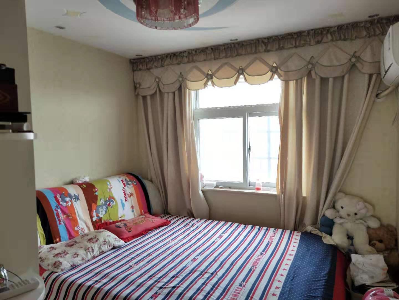 宏基王朝精裝3室90萬元有地暖送地下室