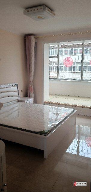 急售東苑小區2室2廳1衛32萬元