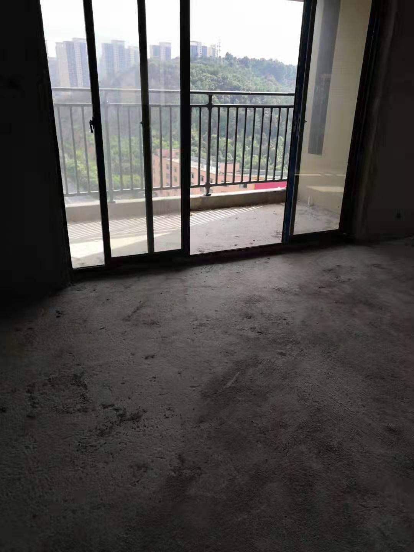 清水湾4室2厅2卫87.5万元