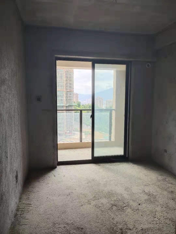 御峰3室2廳2衛110萬元
