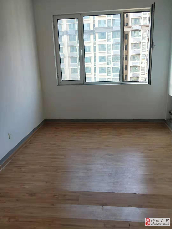 帝華電梯小高層116平米3室2廳2衛僅售82萬