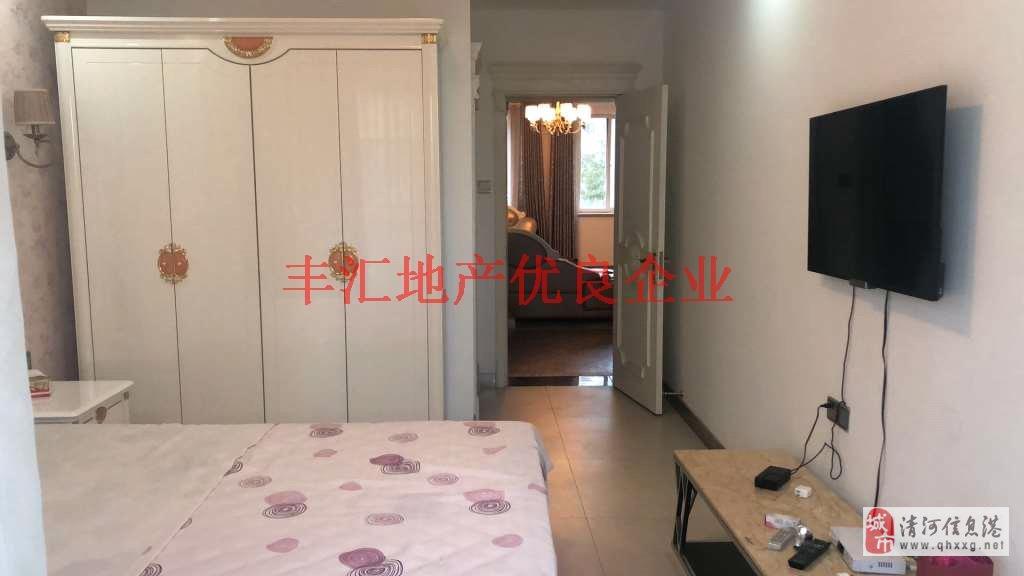 濱江小區3室步梯好樓層,有證,豪華裝修。