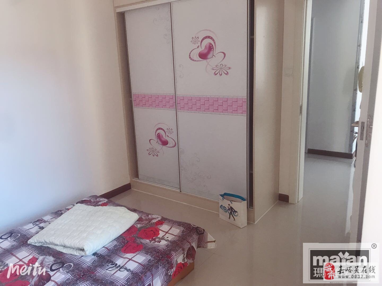 中鵬嘉年華11樓2室2廳1衛58萬元