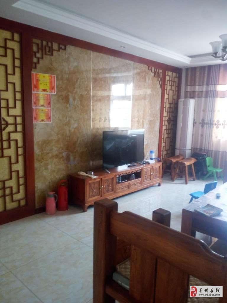 雍和府北区4楼118平82万带车库精装修下证过户