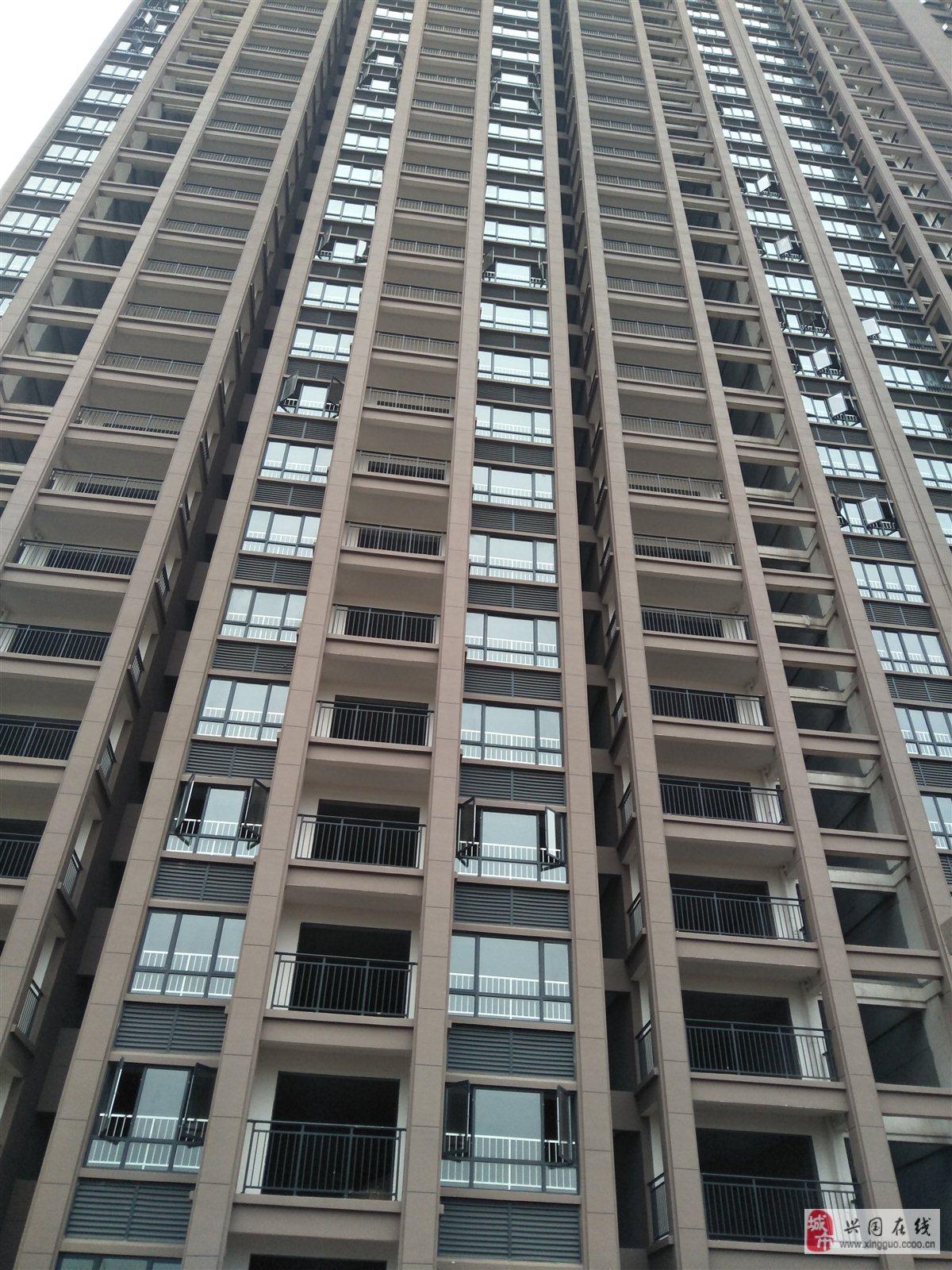 金福花園旁3房2廳電梯高層首付18萬起