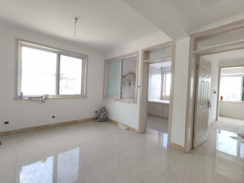东关片市建小区精装未住三居室全家地暖客厅带窗带小房