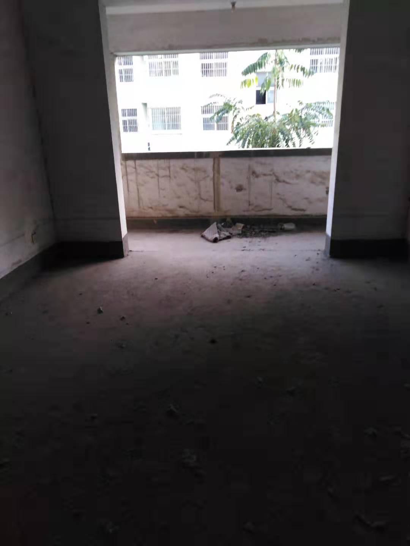 博文世家3室2厅2卫52万元