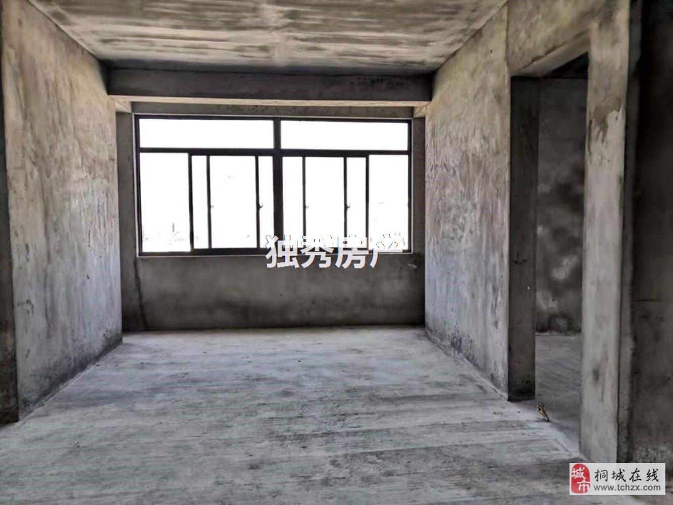 出售久阳春天边套复式楼4室2厅2卫136万元