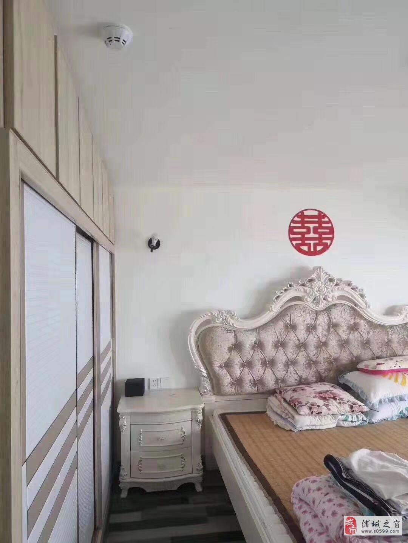 永辉商住楼精装高层2室2厅2卫65万元
