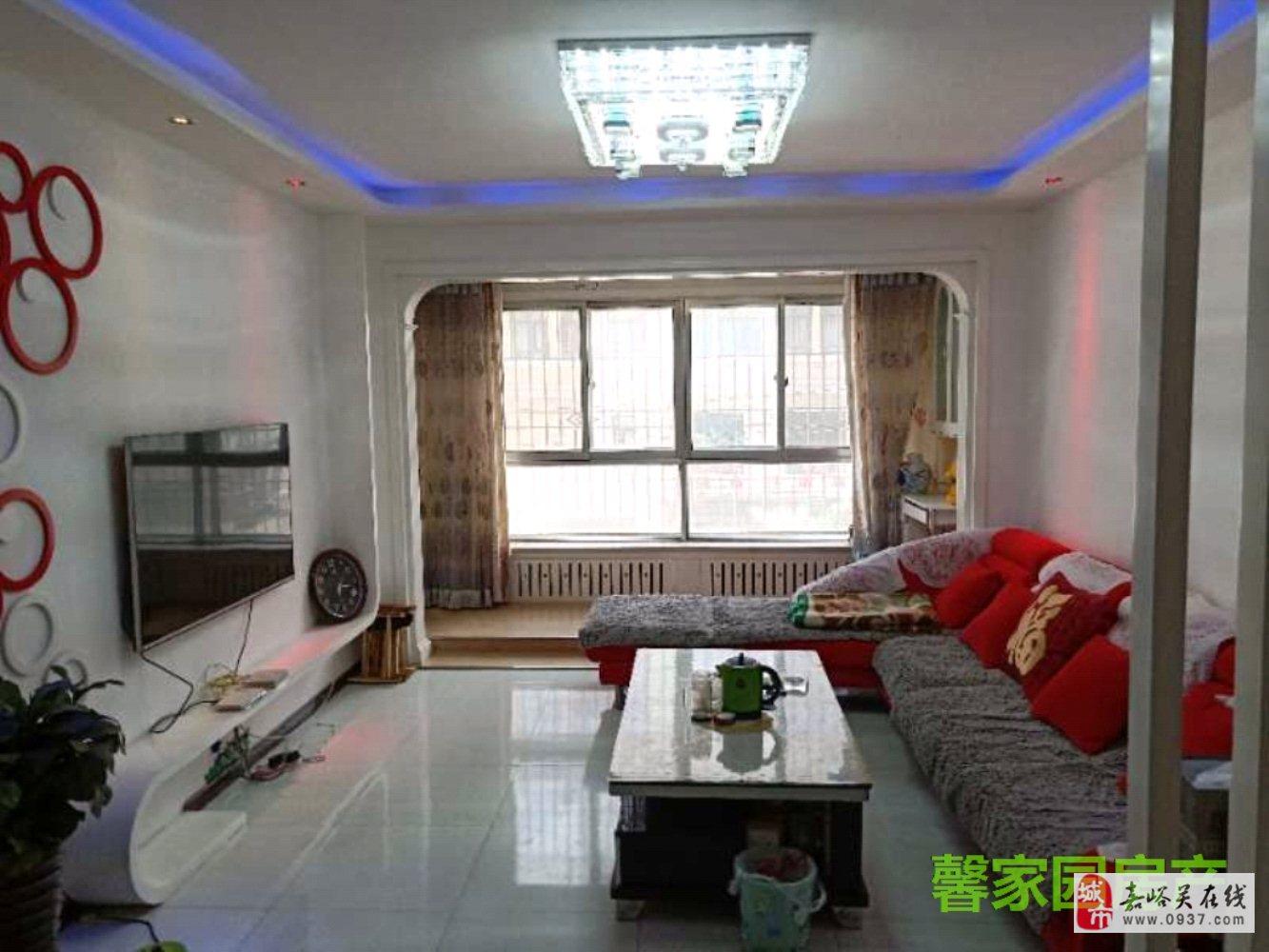五一街區中間樓層精裝2室2廳1衛35萬