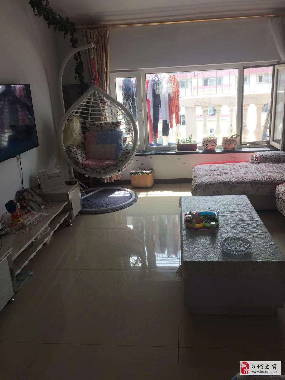 吉鹤苑6楼,带个小阁楼和露天阳台
