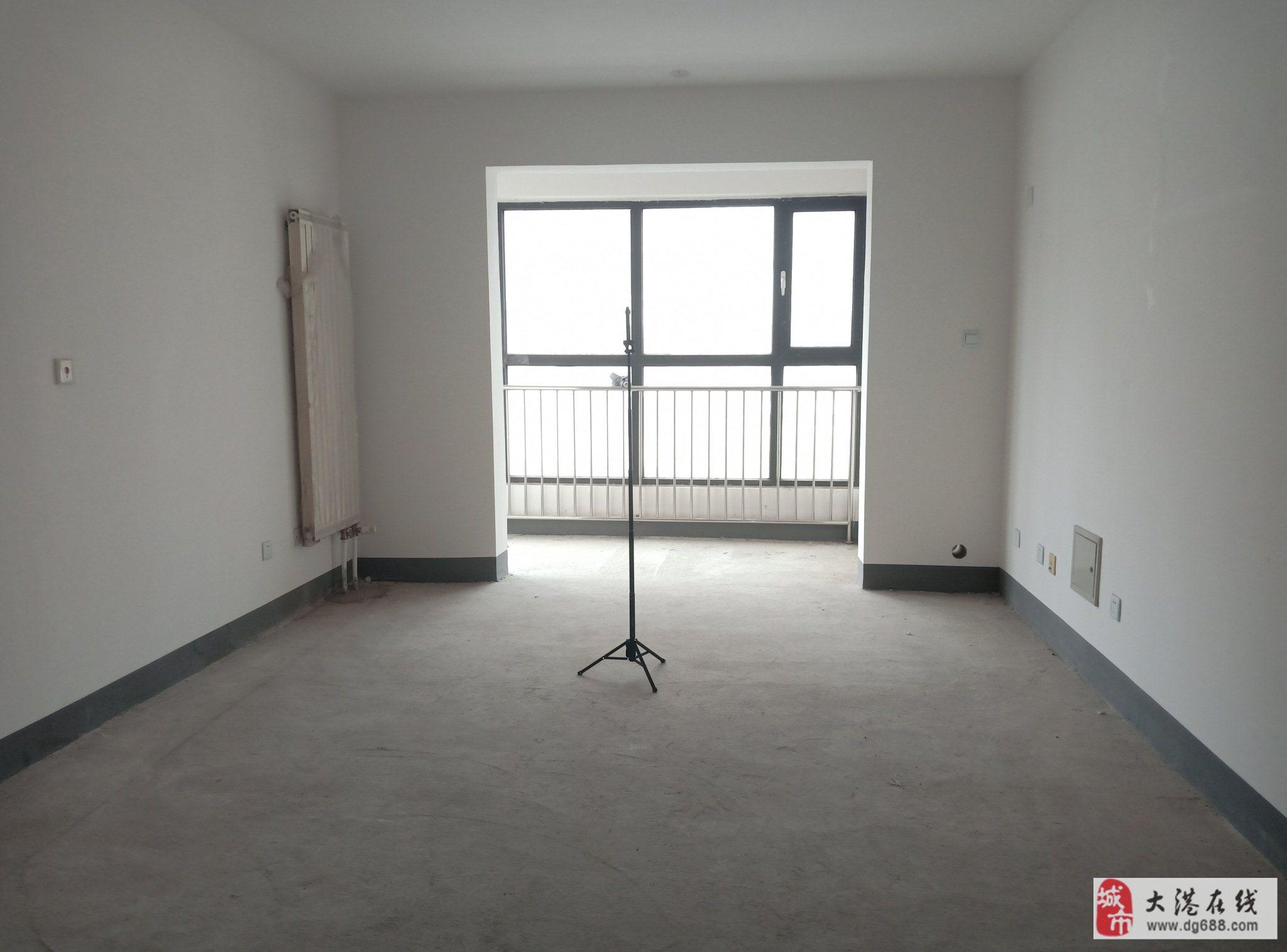 老郭推见急售剑桥港湾9楼不顶毛坯两室过两年有钥匙