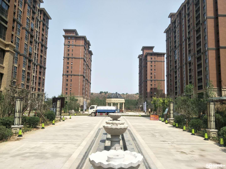 郑州港区民航国际馨苑房屋出售