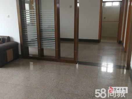 建设小区3室132万元多层3楼送储藏室