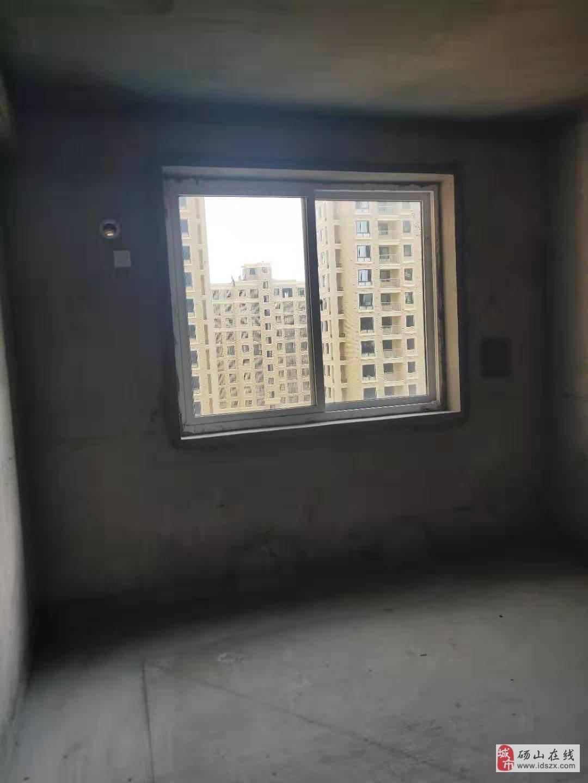 帝景公馆好楼层3室2厅105平34万元急售