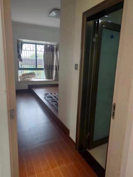 海桂苑3室2厅2卫158万元