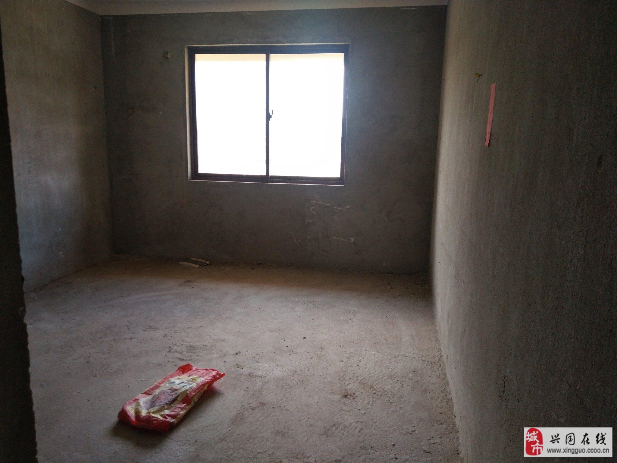 第一幼兒園對面2室2廳1衛52萬元