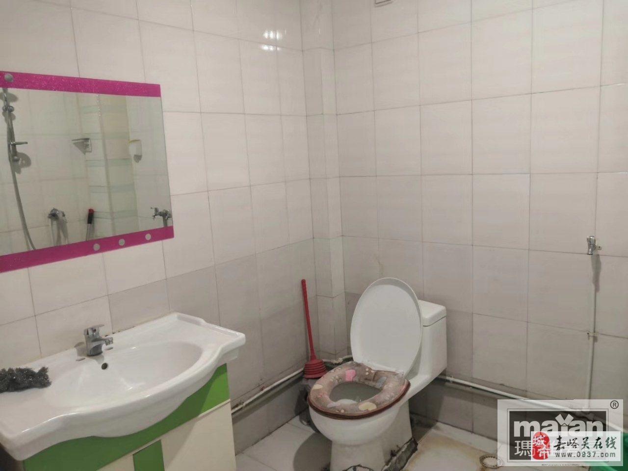 紫軒二期3樓2室2廳1衛48萬元