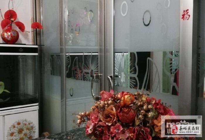 親水灣4樓精裝2室2廳1衛48萬元