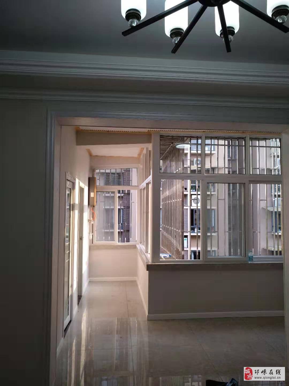 建设路4室1厅1卫58.8万元