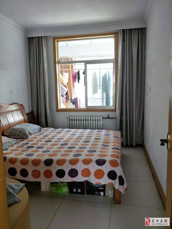 前营子小区2楼100平方3室朝阳有证可贷款
