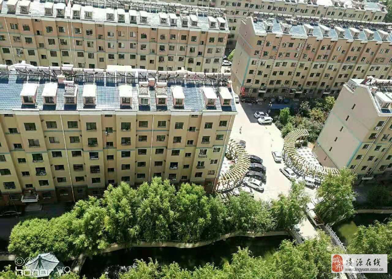 售龍軒金地15樓98平三室一廳精裝修可貸款