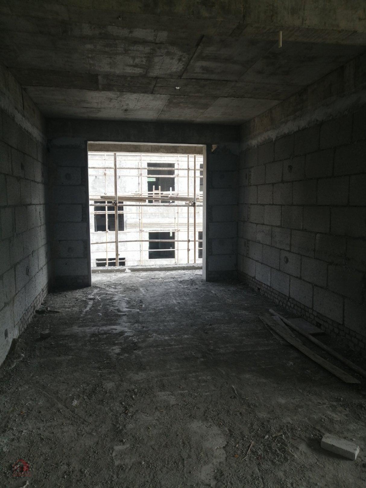學府家園3室2廳2衛1陽臺毛坯使用面積大樓層好