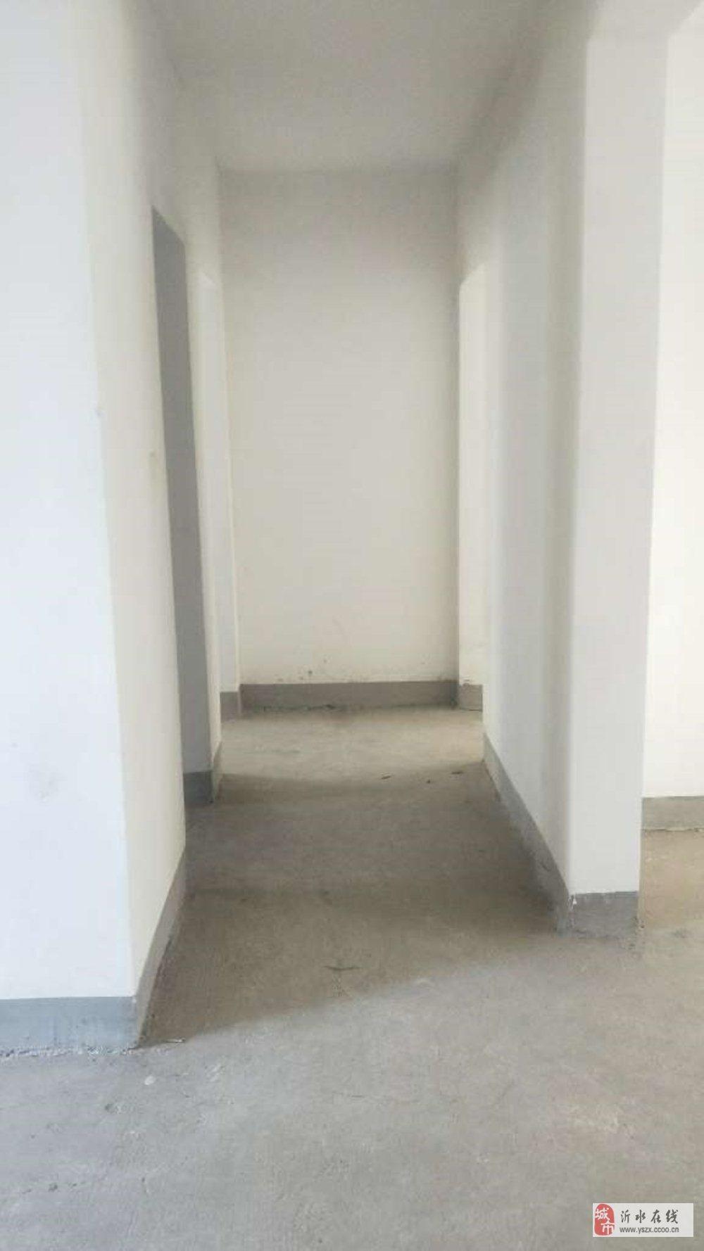 ☆山水文园西区136平3室毛坯3楼带储藏室95万