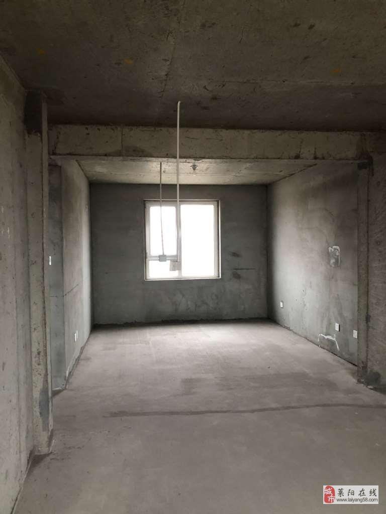 山水華庭3室2廳1衛78萬元