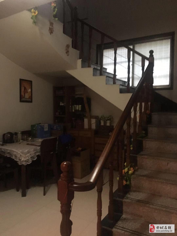 温泉新村别墅,3间3层,双证齐全,精装修,有证可贷