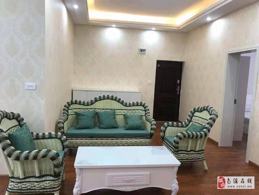 桂花街全新精裝大三室單價只要3600低于市場價格哦
