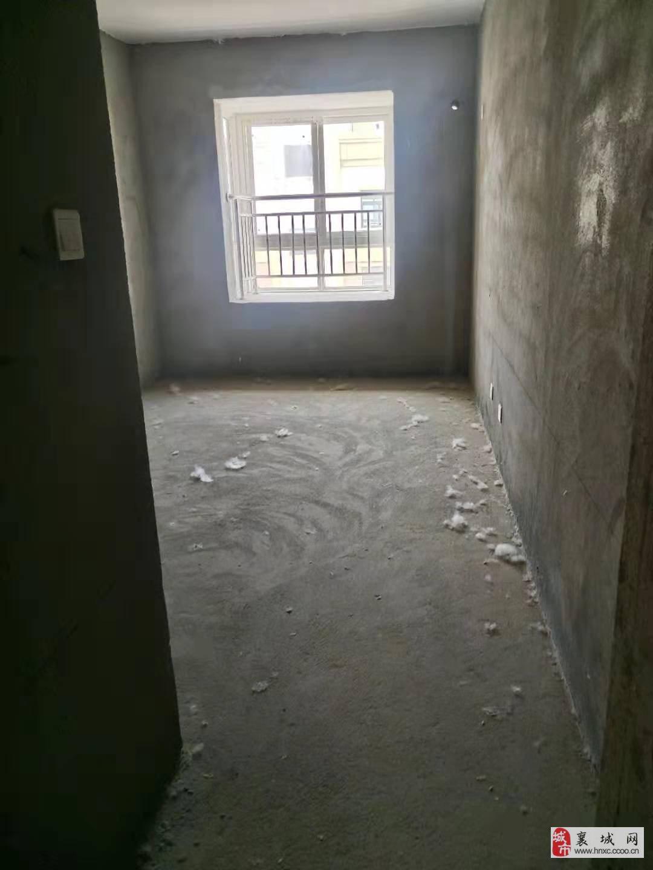 30万买博学仕府小三室电梯好楼层