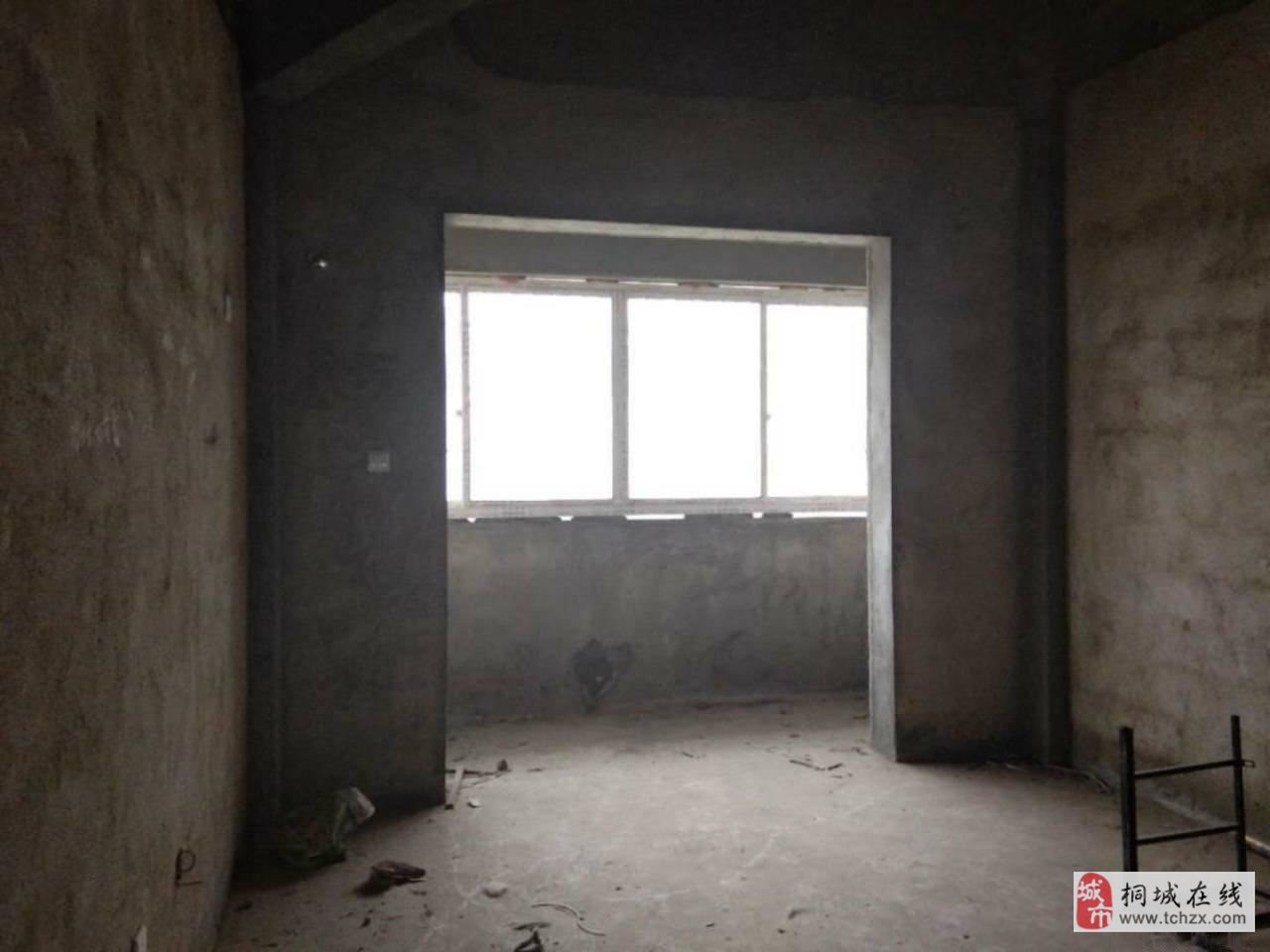 香樟園附近好房出售毛坯二室采光無敵.誠心出售22萬