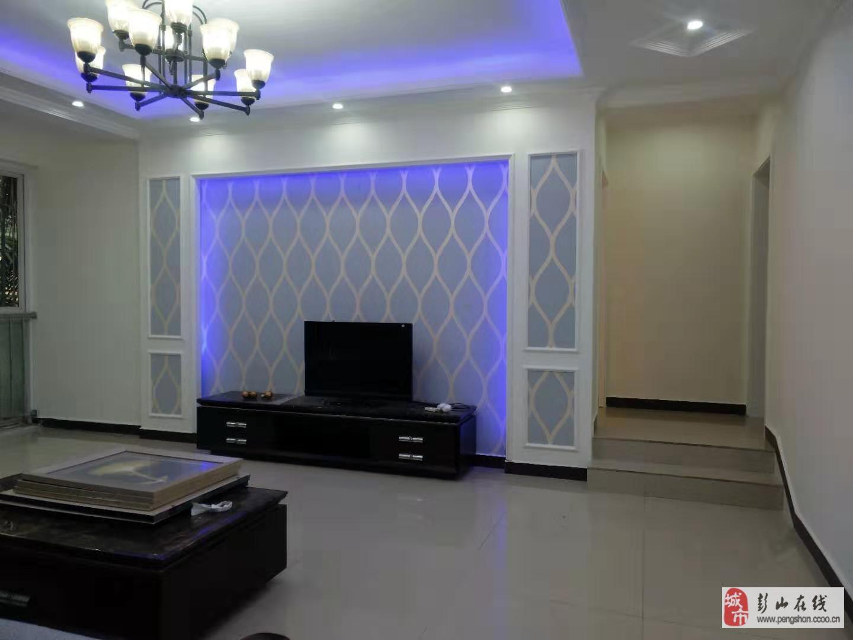 八五新區2樓精裝修3室2廳2衛68萬元
