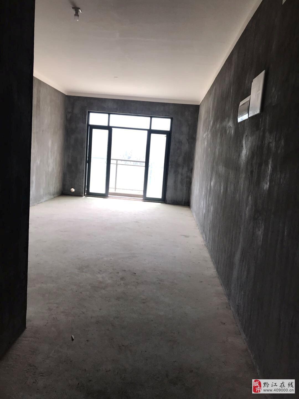 大通豪庭127平大气四室两厅出售,只要69.8万!