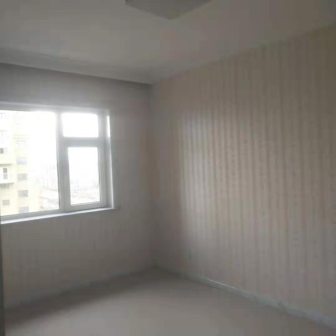 御龙苑1室1厅1卫32.5万元