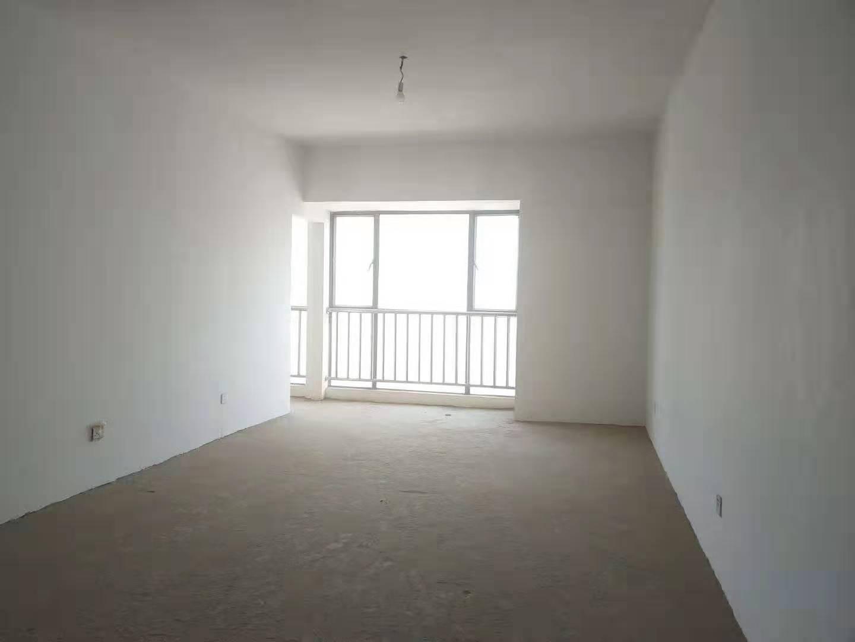 鑫城国际三期 清水房 两室 26万元