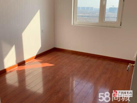 中南世纪城108平精装3室,中间楼层75万元