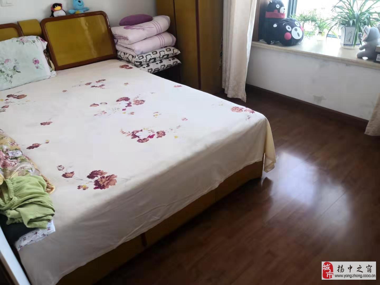 怡景苑5/6楼102+3室2厅2卫93.8万元
