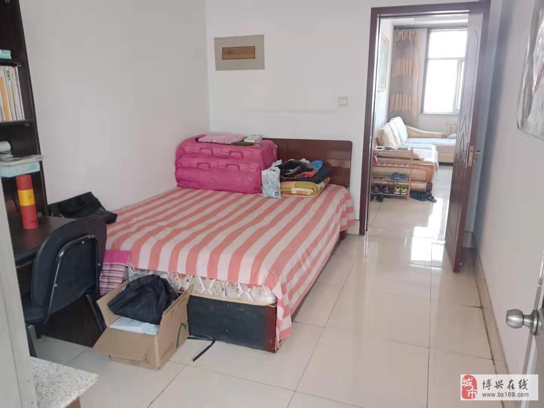 2515老家具廠3室2廳1衛72萬元