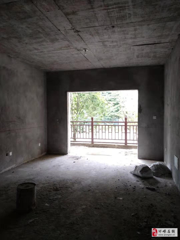 宝林新校区3室2厅2卫39.8万元