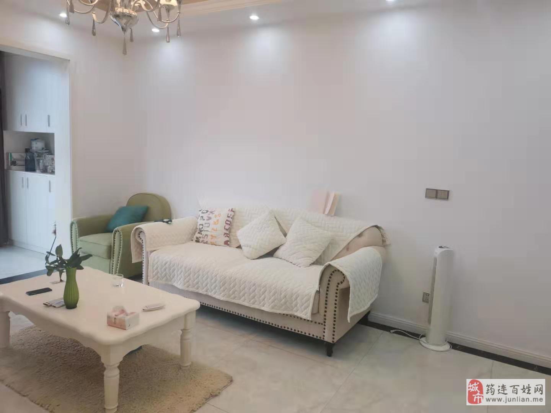 江景苑A区住房出售精装修,证件齐全。