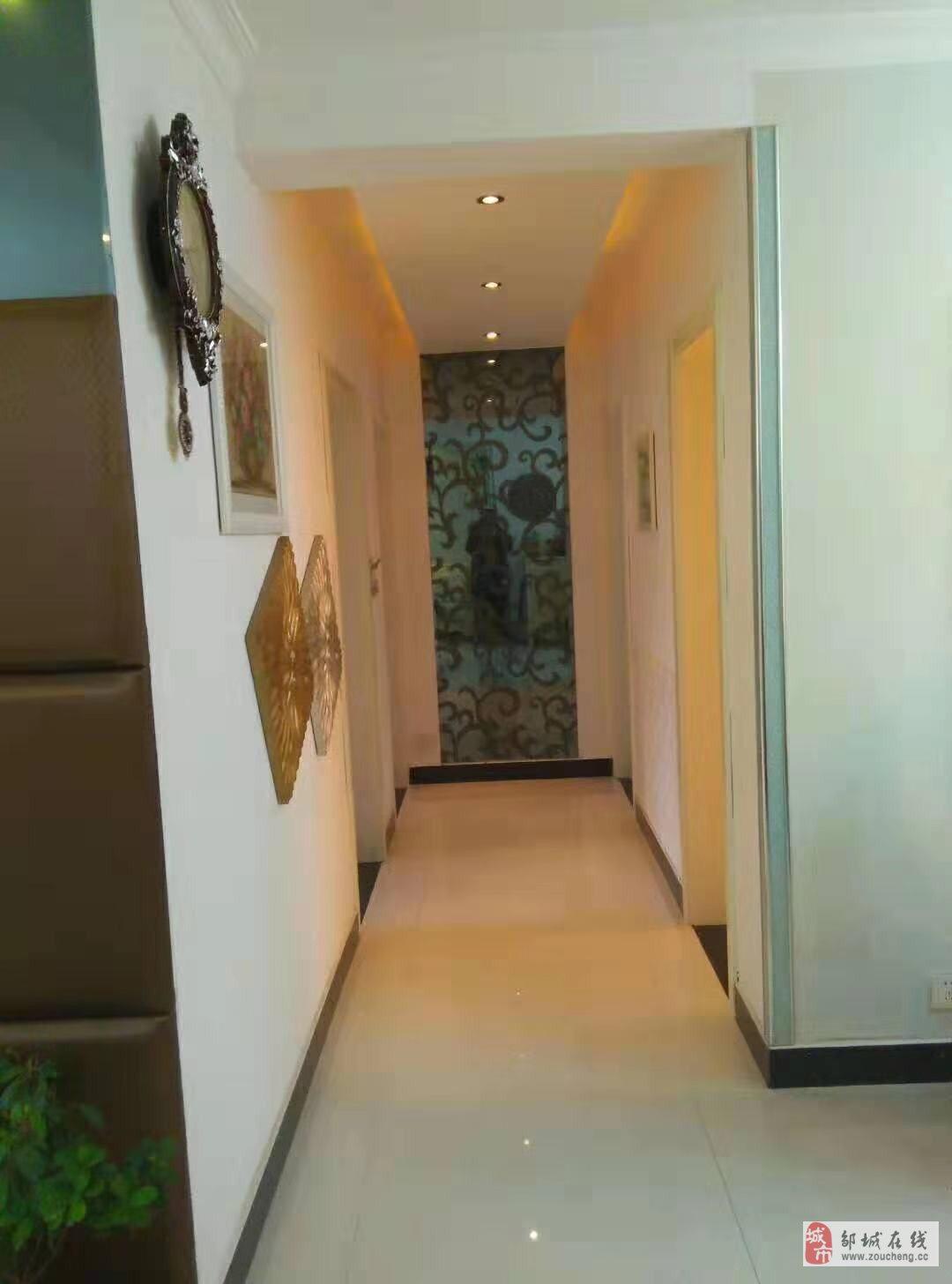 万佳阳光城3室2厅1卫110万元