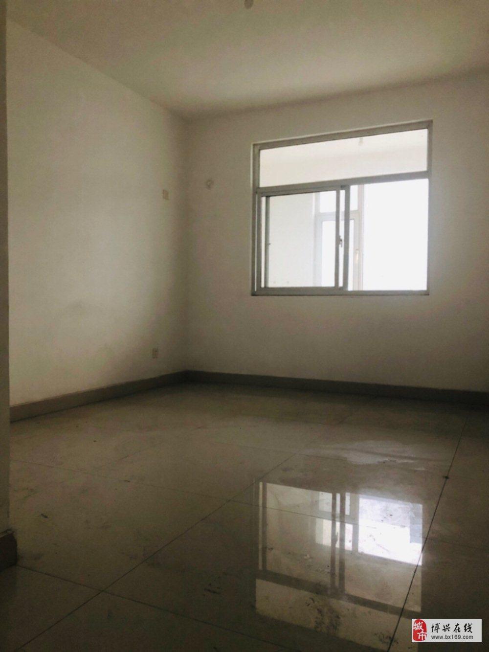 5605花园新城3室2厅2卫198万元